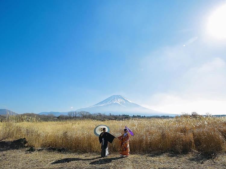 富士山 和装-1
