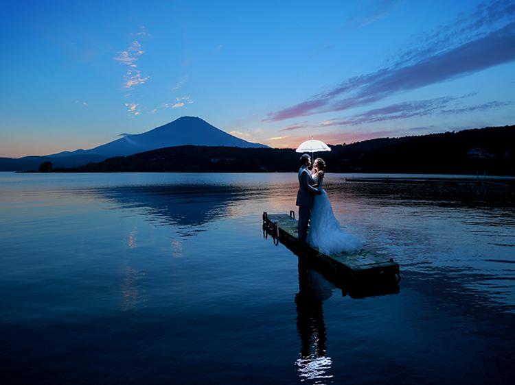 DE & Co. Decollte Wedding Photography in Japan. A Japanese Wedding Photo Studio.   德可莉日本專業婚紗攝影   Mt. Fuji   富士山   A Fairy-tale   童話愛情