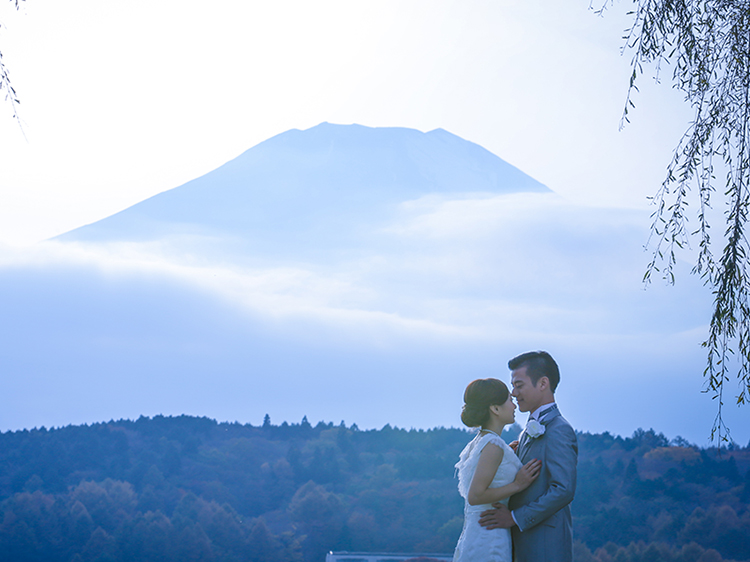 DE & Co. Decollte Wedding Photography in Japan. A Japanese Wedding Photo Studio. | 德可莉日本專業婚紗攝影 | Mt. Fuji | 富士山 | Everything is Alright