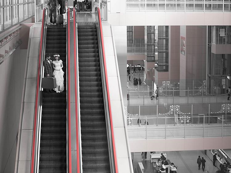DE & Co. Decollte Wedding Photography in Japan. A Japanese Wedding Photo Studio. | 德可莉日本專業婚紗攝影 | Osaka | 大阪 | Fly me to the moon | 夢想即將起飛