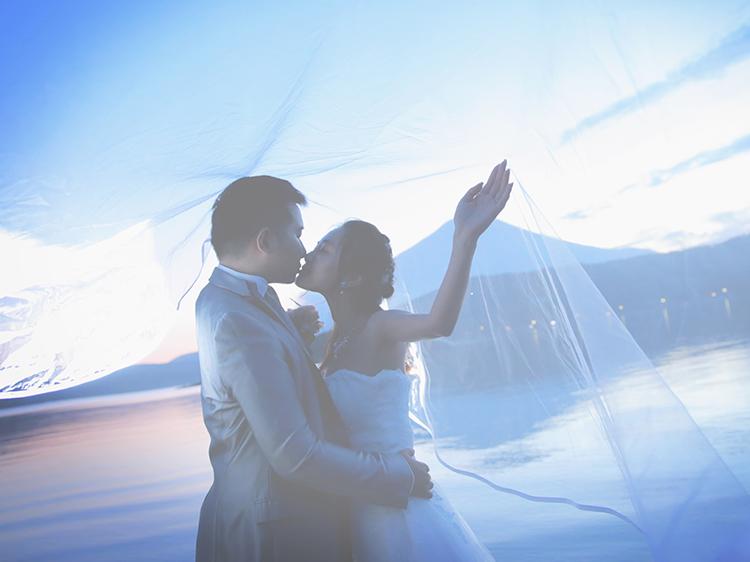 DE & Co. Decollte Wedding Photography in Japan. A Japanese Wedding Photo Studio. | 德可莉日本專業婚紗攝影 | Mt. Fuji | 富士山 | A Fairy-tale | 童話愛情